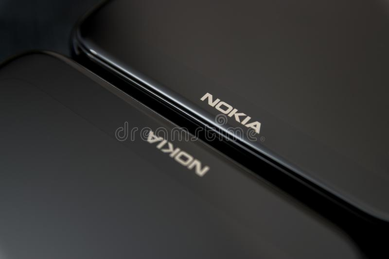 Cluj, Romênia - 13 de maio de 2019: Smartphone de Nokia feito por Nokia Corporaçõ, telecomunicações multinacionais finlandesas, i fotografia de stock