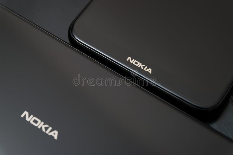 Cluj, Romênia - 13 de maio de 2019: Smartphone de Nokia feito por Nokia Corporaçõ, telecomunicações multinacionais finlandesas, i fotos de stock