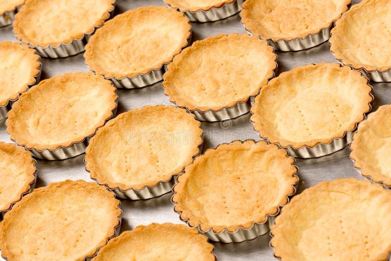 Cluse sablé rond d'or délicieux de biscuits  images libres de droits