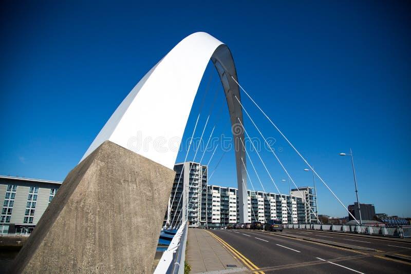 Clyde Arc o il ponte Squinty, Glasgow, Scozia, Regno Unito immagini stock libere da diritti