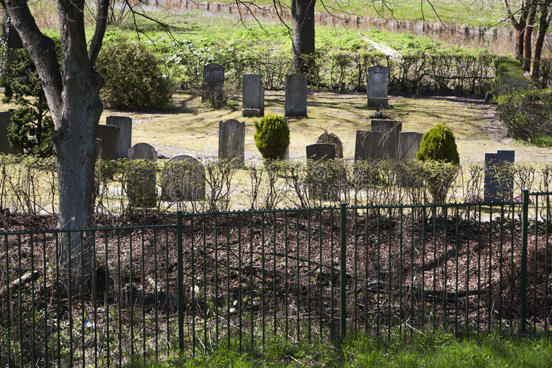 Download Cmentarz obraz stock. Obraz złożonej z nieżywy, dena - 53781287