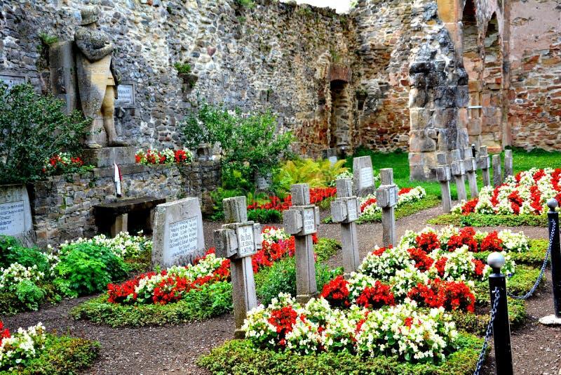Cmentarz w Carta średniowiecznym monasterze blisko Sibiu, Transilvania zdjęcie stock