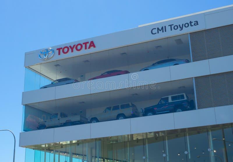 CMI Toyota-autotoonzaal met het venster van het ontwerpglas voor vertoning een auto in de toonzaal stock foto