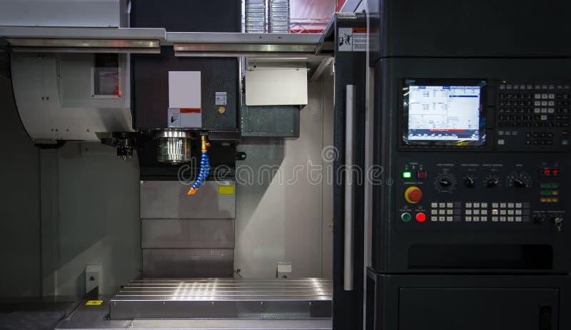CNC μηχανή άλεσης στοκ εικόνες με δικαίωμα ελεύθερης χρήσης