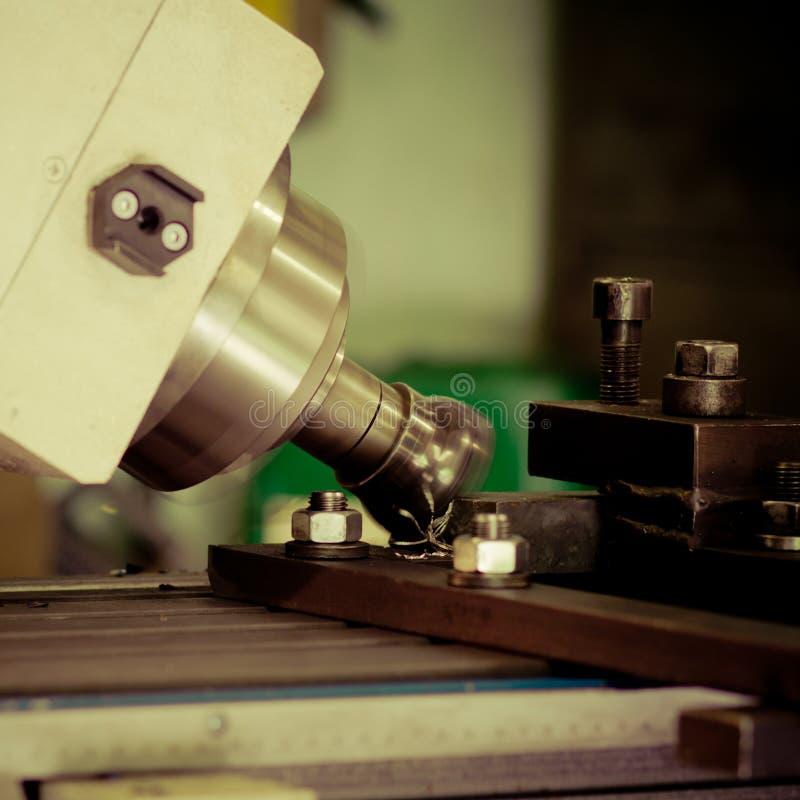 CNC钻井和碾碎 图库摄影