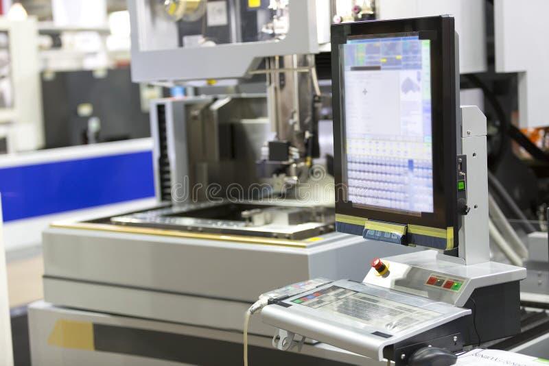 CNC de draad sneed delen van de machine de scherpe vorm stock afbeelding