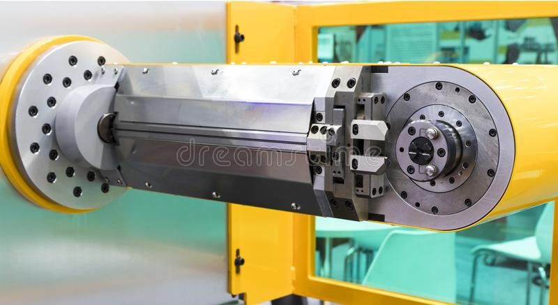CNC drutu chylenia maszyna; zdjęcia royalty free