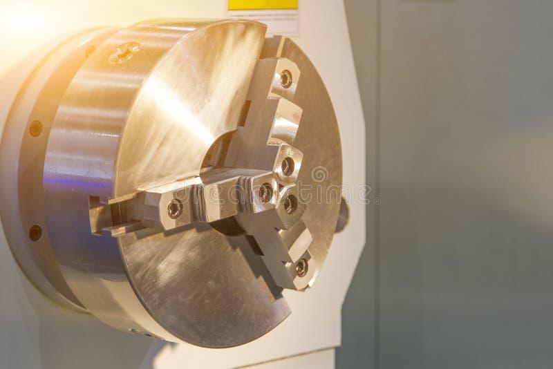 CNC kręcenia tokarka i wrzeciono obraz stock