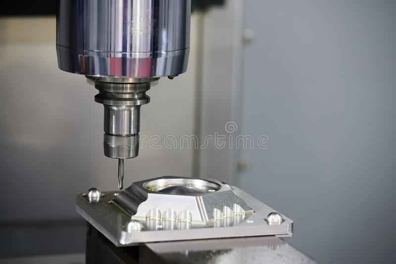CNC mielenia maszynowy rozcięcie foremka rozdziela zdjęcie stock