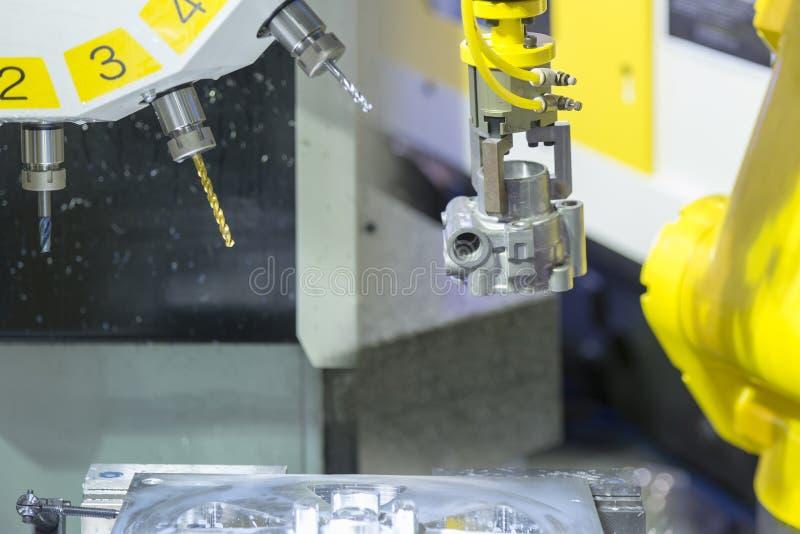 CNC mielenia maszynowy rozcięcie foremka rozdziela zdjęcia royalty free
