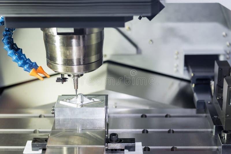 CNC mielenia operacja na próbki pracy kawałkach fotografia stock