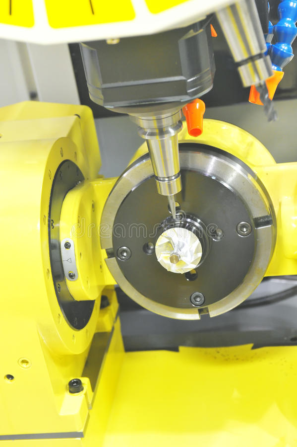CNC-Prägen lizenzfreie stockbilder