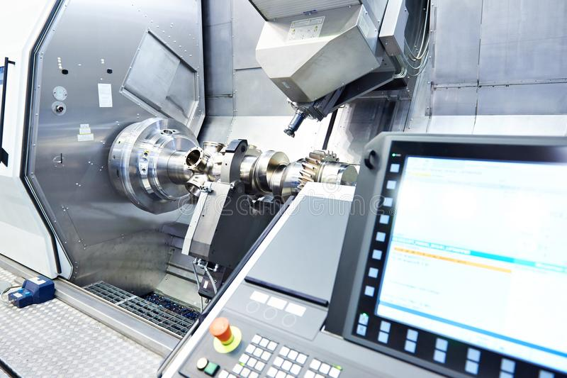 CNC tokarka i mielenie maszyna obrazy royalty free