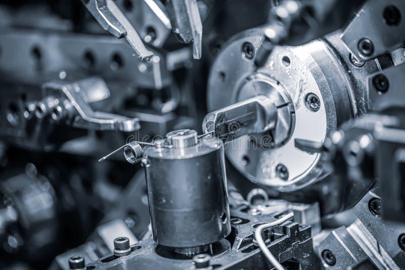 Cnc Wire Forming Machine, moderne CNC-veermachines voor de productie van verschillende soorten draadbuigmachines stock fotografie
