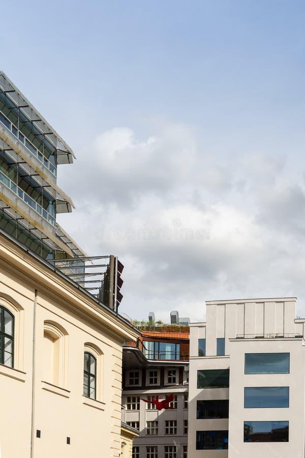 Современные здания в Праге, чехии стоковое фото rf