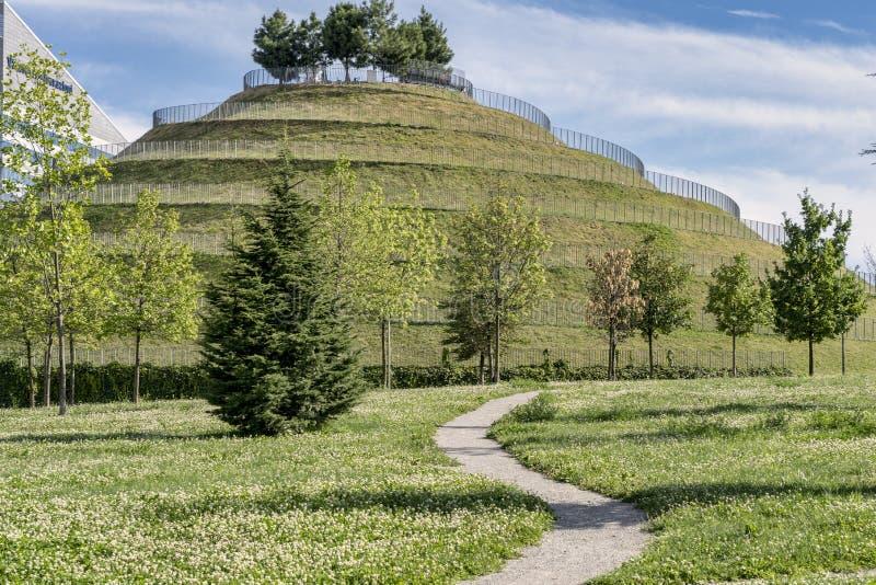 Современный парк на Portello, в Милане стоковое фото