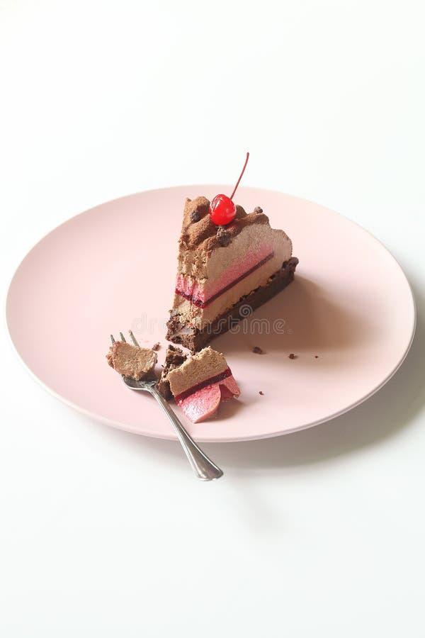 Современный торт мусса вишни шоколада стоковое изображение rf