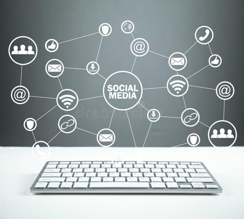 Социальная принципиальная схема средств Дело, технология, сообщение стоковая фотография rf