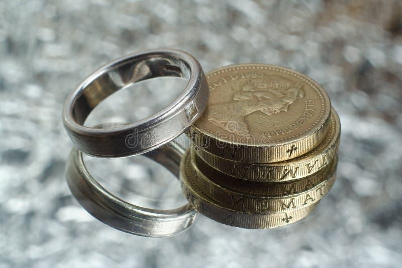 Coûts de mariage image libre de droits