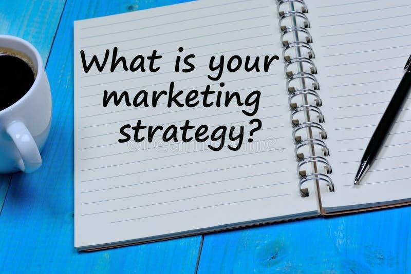 Co jest twój strategii marketingowej pytaniem na notatniku zdjęcia royalty free