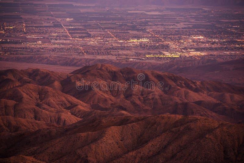 Coachella Valley på skymning royaltyfria bilder