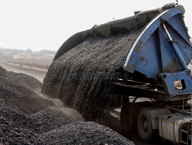 Coalmining och bearbeta i Sydafrika royaltyfri foto