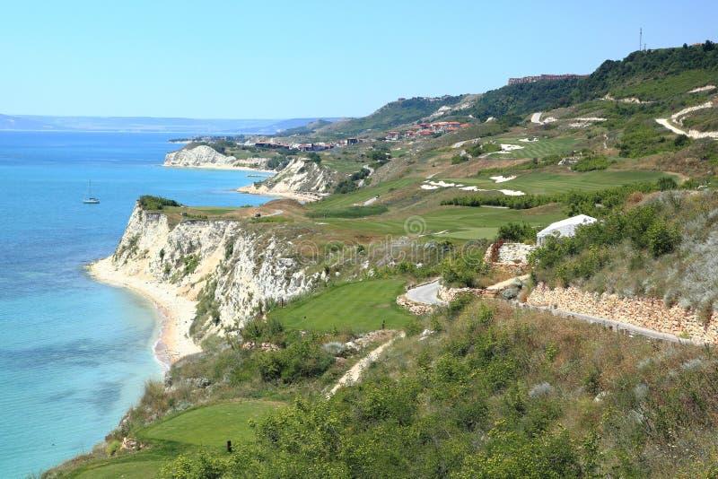 Coastlal golfbana arkivbild
