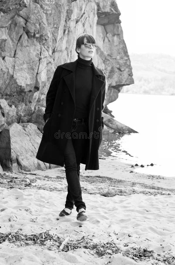 coat kvinnan royaltyfri foto