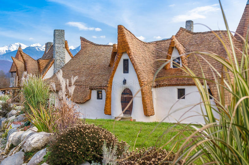 Download Cob clay house and garden editorial photo. Image of friendly - 83678701