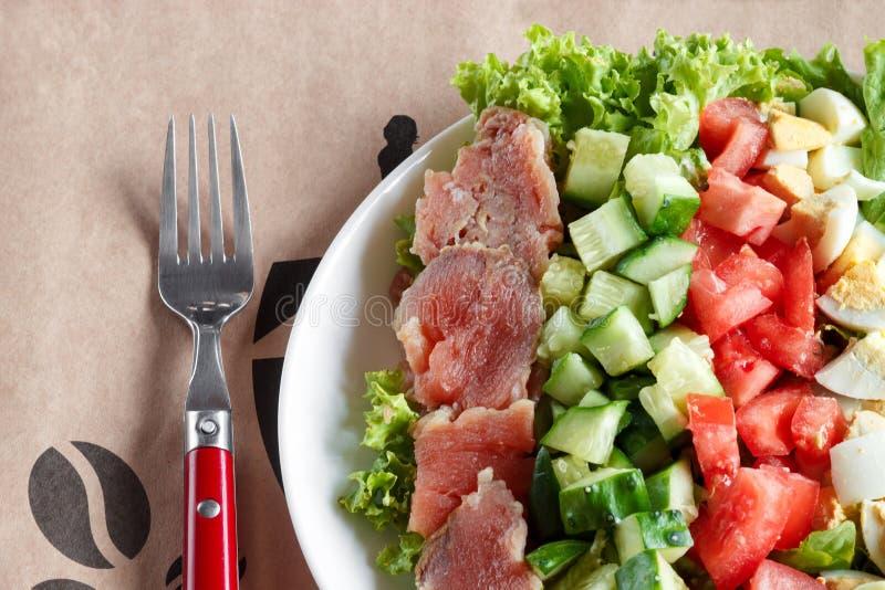 Cobb sallad - traditionell amerikansk mat royaltyfri foto