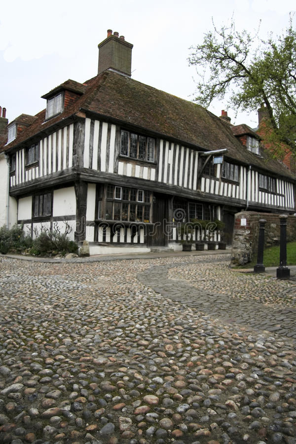 Download Cobbled Street Tudor House Rye England Stock Image - Image: 14015917