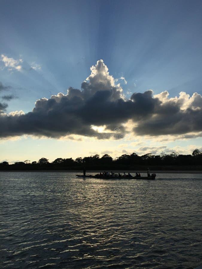Cobertizo motorizado con los viajeros en Nicaragua foto de archivo libre de regalías