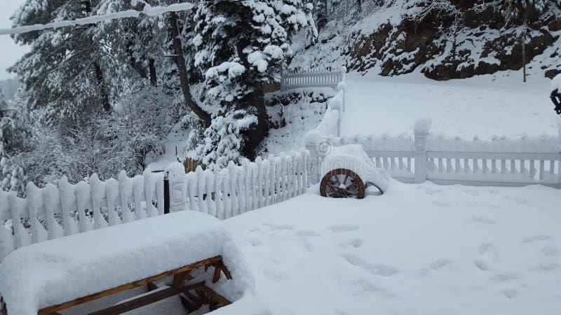 Coberto com o inverno de viagem de fascinação bonito do destino da beleza de Ásia Paquistão da neve fotos de stock royalty free