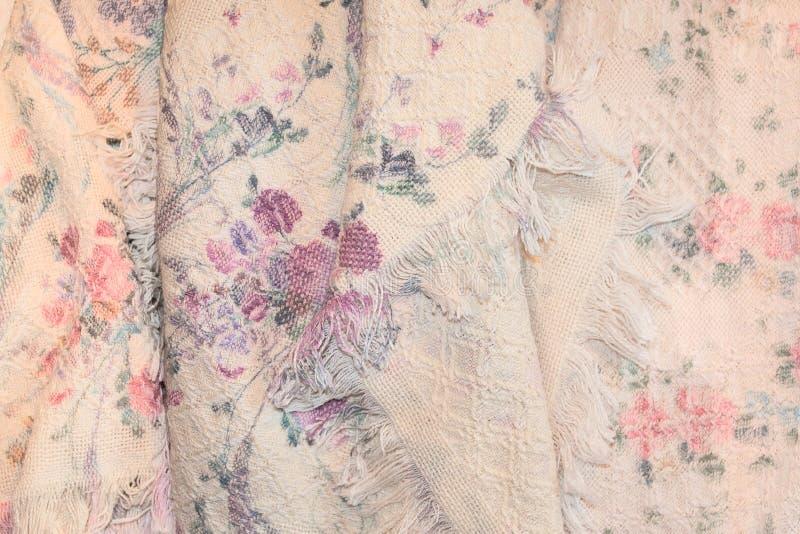 Cobertor antigo cor-de-rosa com rosas fotos de stock