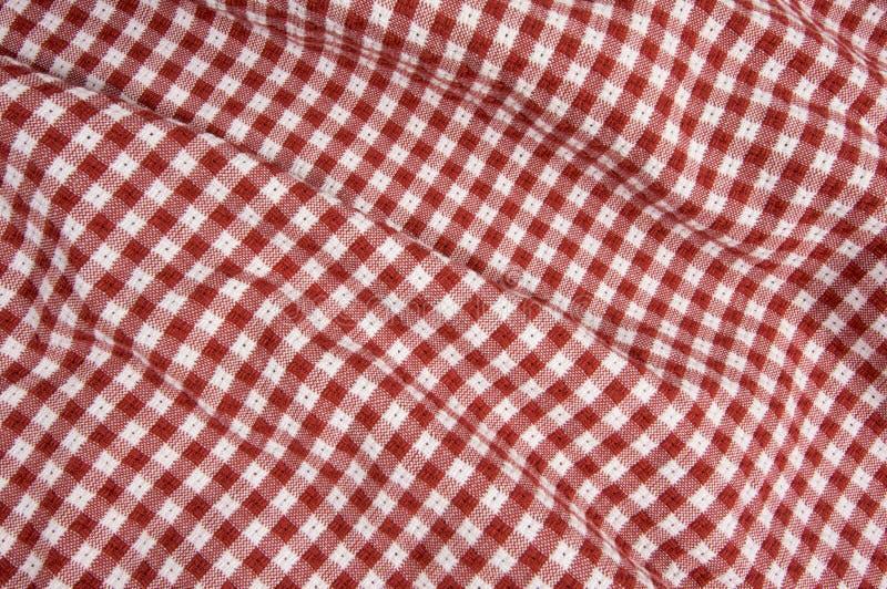 Cobertor vermelho e branco do piquenique imagens de stock royalty free