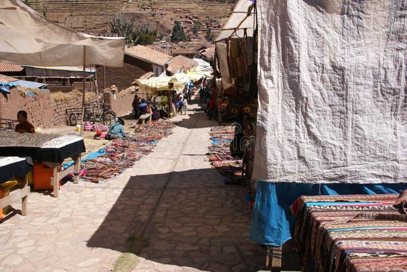 Cobertores indianos Quechua do sell do womn fotografia de stock royalty free