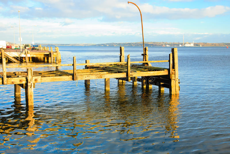 Download COBH, IRLANDA - 26 DE NOVIEMBRE: Embarcadero Titánico Viejo El 26 De Noviembre De 2012 En Cobh Irlanda Imagen editorial - Imagen de nautical, quayside: 44854555