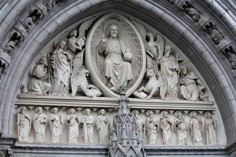 Cobh okręgu administracyjnego korek, Irlandia, Sierpień,/- 14 2018: Katedra święty Colman jest punktem zwrotnym bierze 47 rok uzu obrazy royalty free