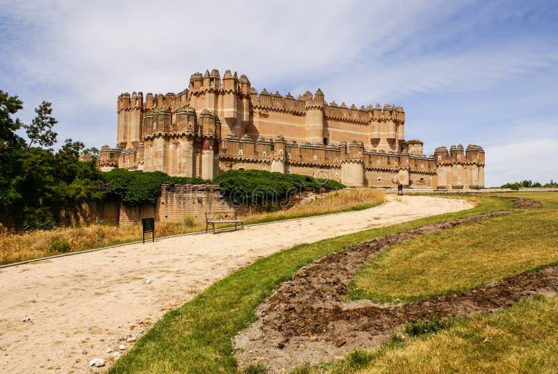 Coca Castle (Castillo de Coca) är en befästning som in konstrueras royaltyfri fotografi