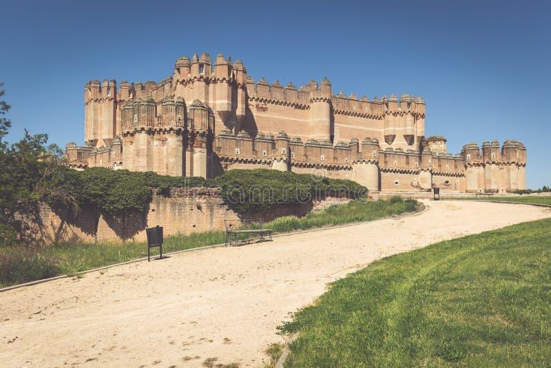 Coca Castle (Castillo de Coca) är en befästning som in konstrueras royaltyfri foto