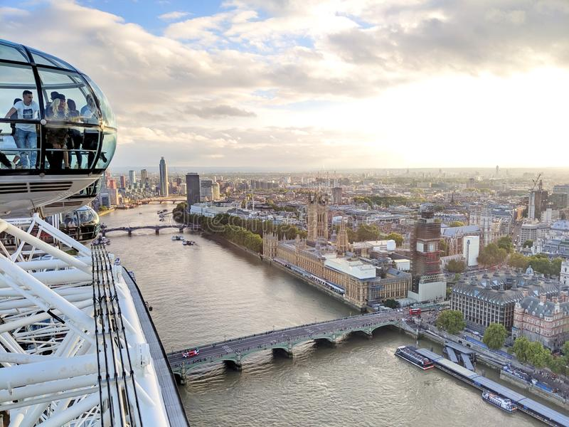 Coca-Cola London Eye och London City royaltyfri fotografi