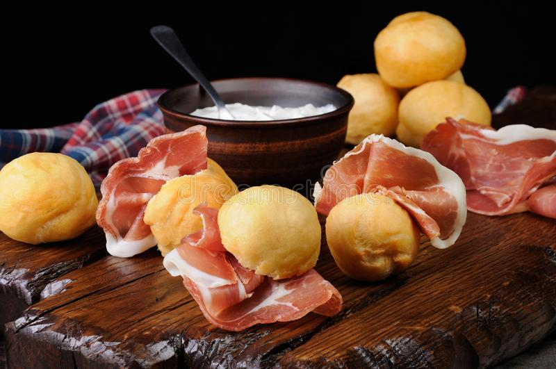 Coccoli Fritti c Prosciutto royalty free stock photography