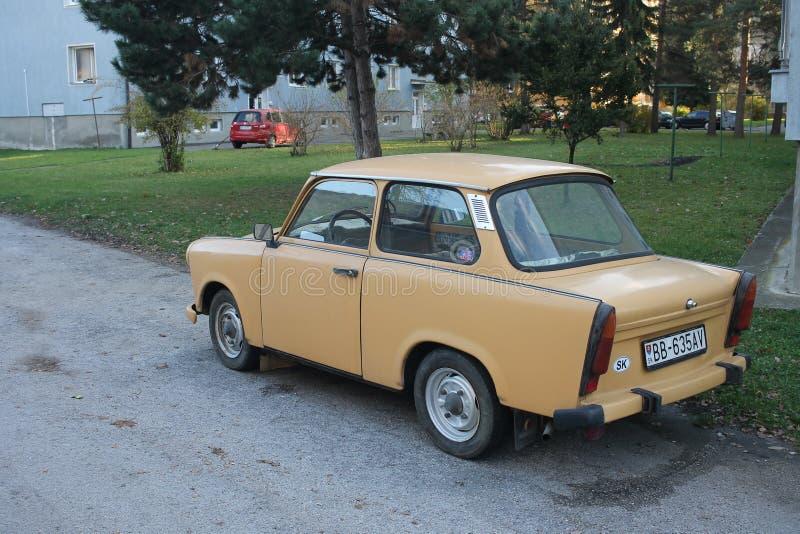 Coche alemán viejo Trabant en Eslovaquia imagen de archivo libre de regalías