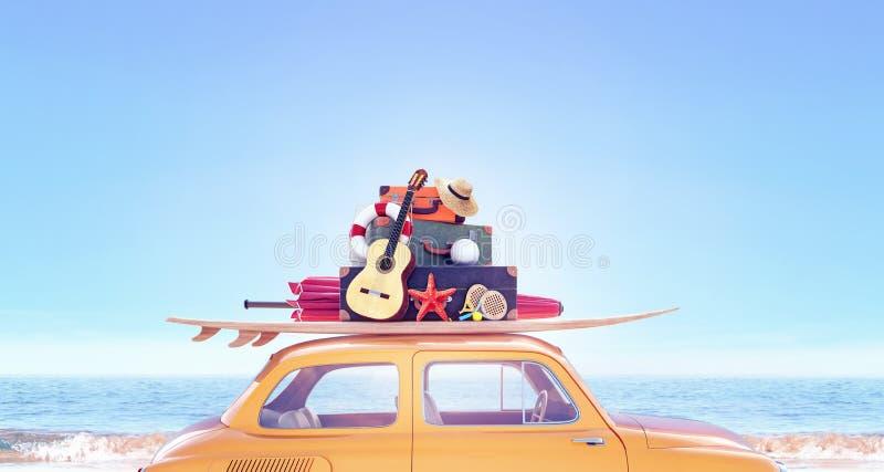Coche amarillo con con el equipaje listo para el viaje del verano fotografía de archivo