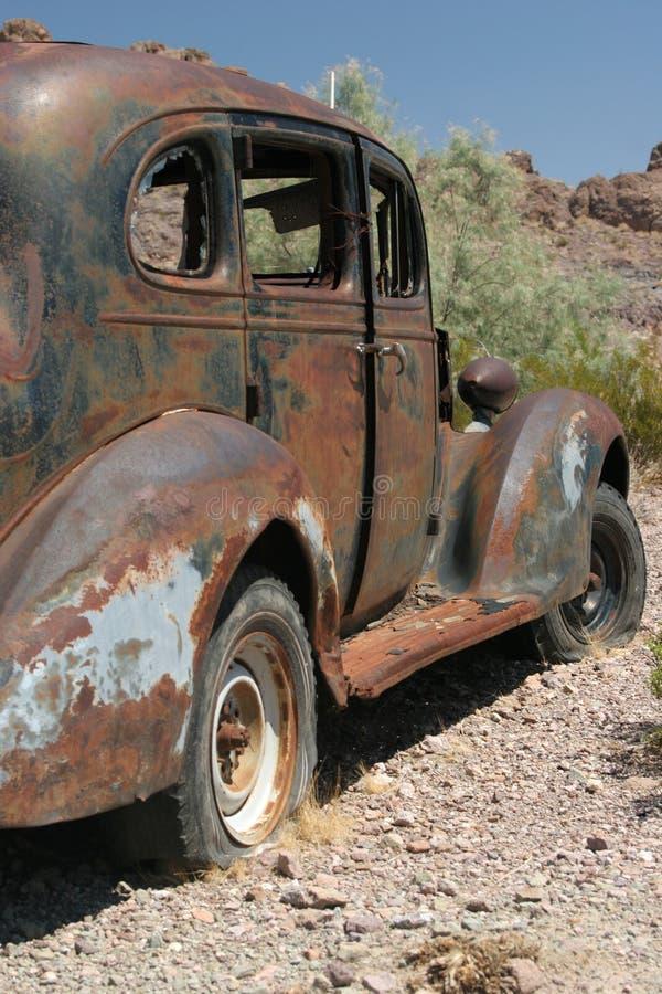 Coche americano clásico oxidado fotos de archivo