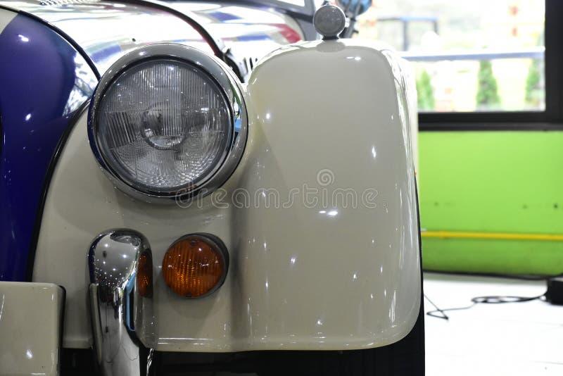 Coche antiguo viejo para los colectores viejos del coche fotos de archivo