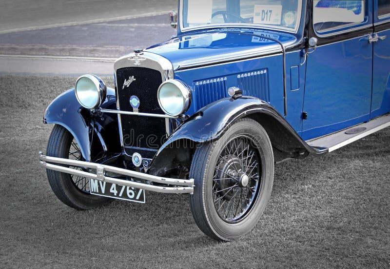 Coche azul de británicos Austin del vintage fotografía de archivo libre de regalías