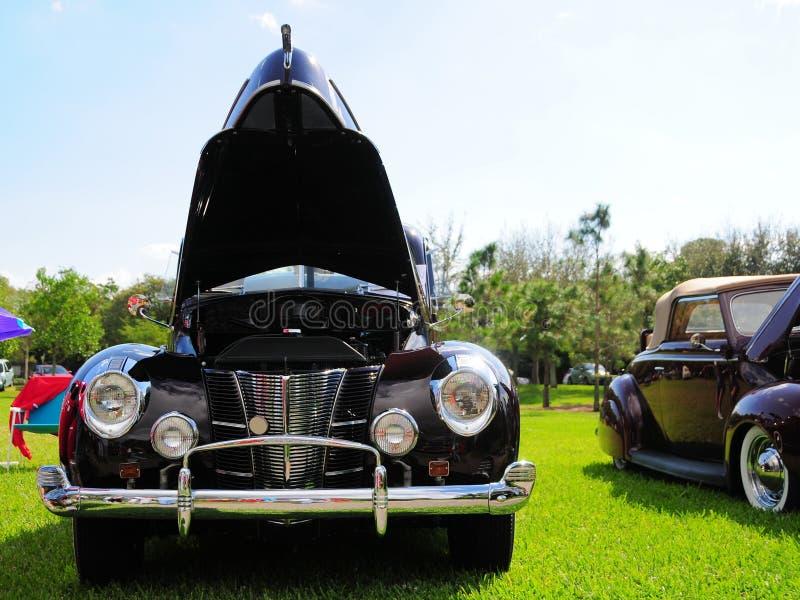 Coche convertible clásico de Borgoña foto de archivo libre de regalías