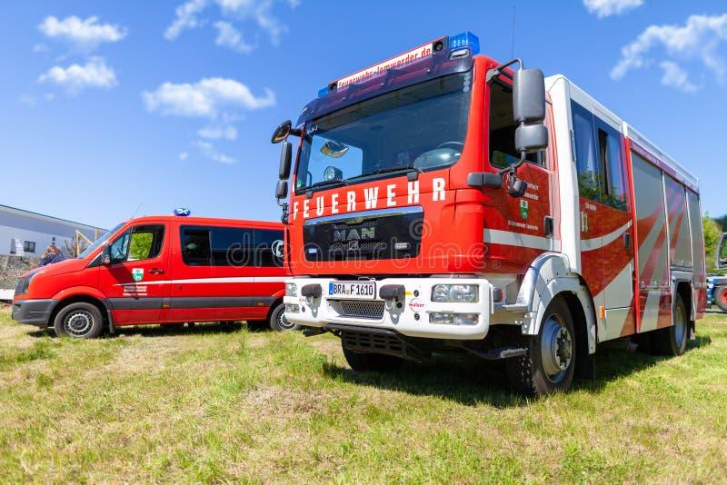 Coche de bomberos alemán del cuerpo de bomberos imagen de archivo libre de regalías