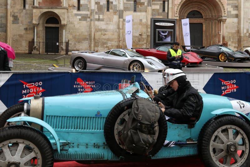 Coche de Bugatti, Mille Miglia, carrera de coches histórica, Módena, mayo de 2019 foto de archivo libre de regalías
